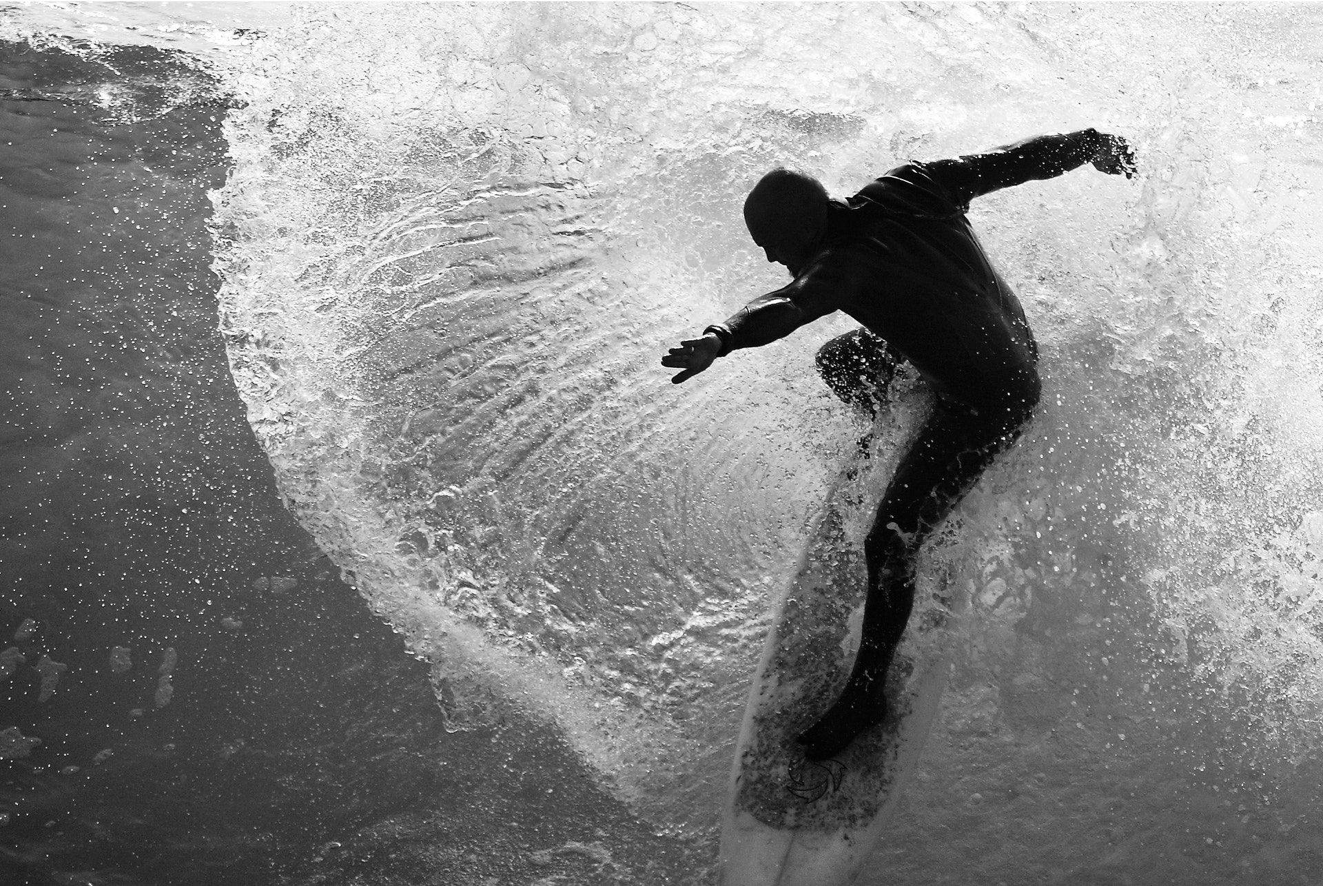 Six Useful Tips For Big Wave Surfing