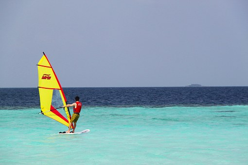 A Beginner's Guide To Windsurfing