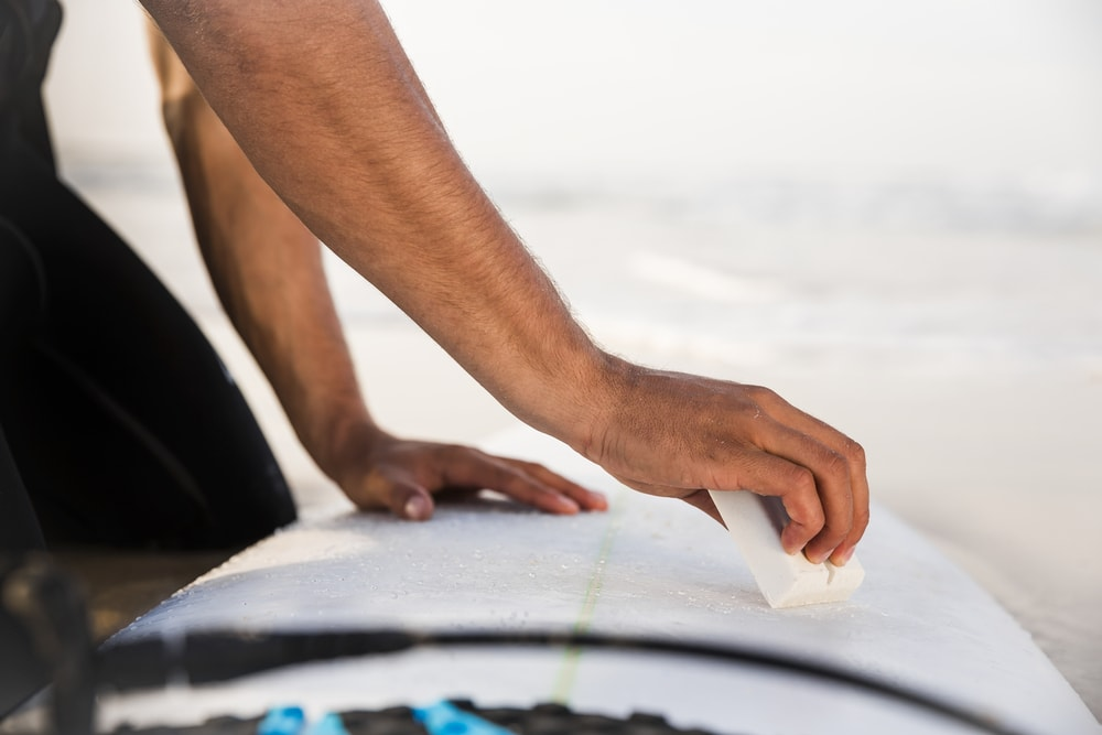 5 Easy Ways For Waxing Your Surfboard