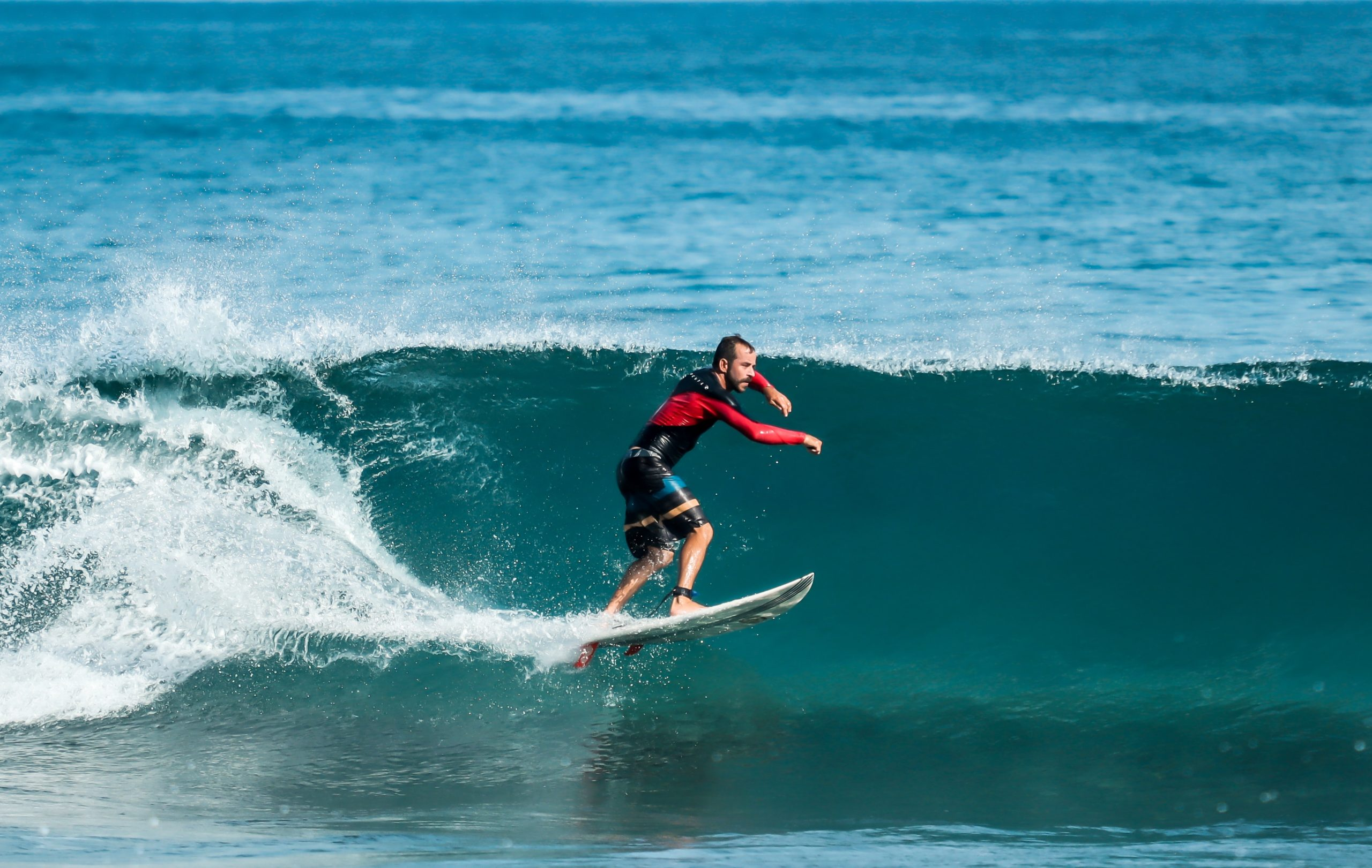 The Most Common Surfing Tactics For Pro Surfers